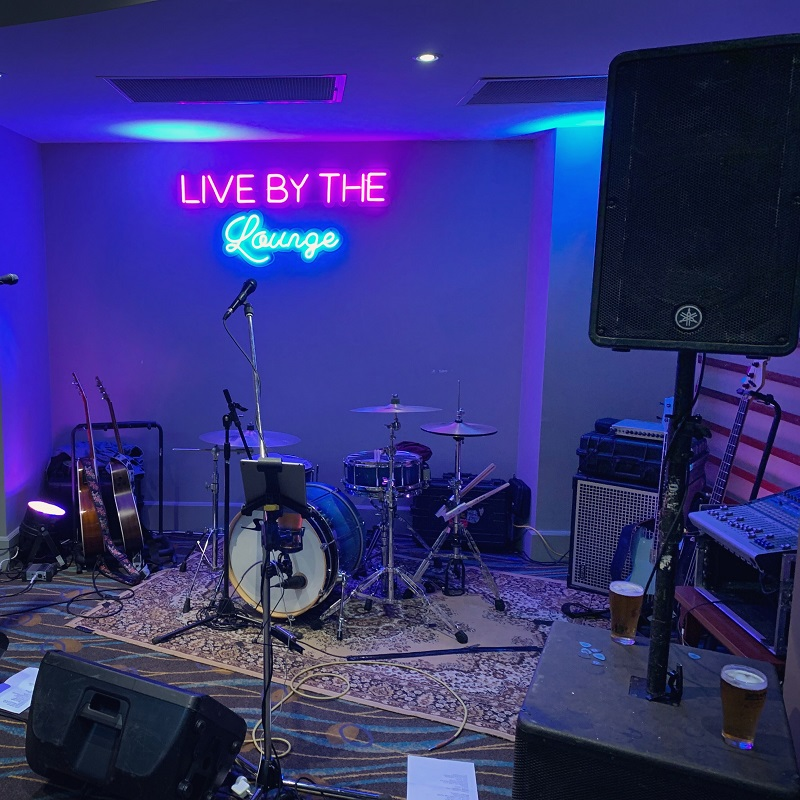 Live by the Lounge at Griffith Southside Leagues Club
